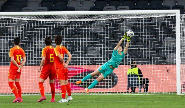 贾帅献2神作!中国足球冲奥的唯一希望再次寄托在女足身上 第3张