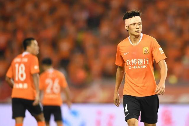 中国甲级联赛和中国乙级联赛是否会随之而动成为焦点话题