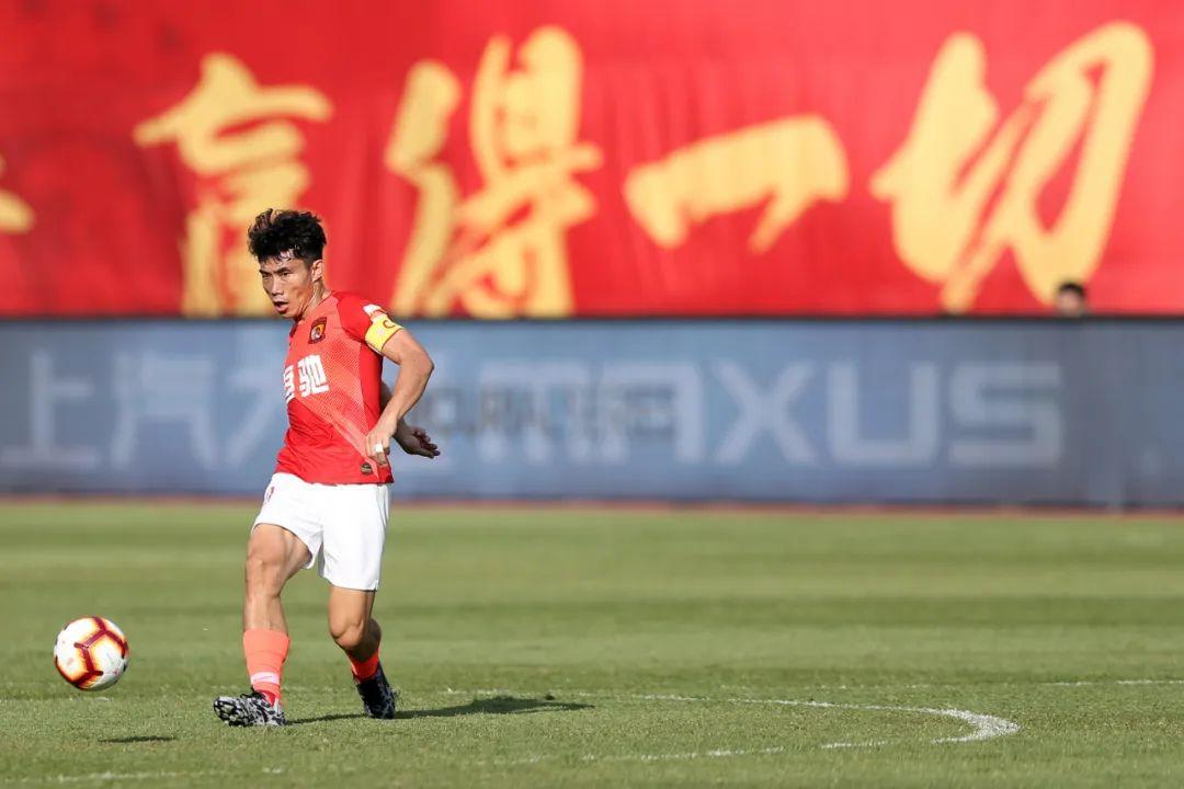 郑智正式上岗做助教,利己利队更利于中国足球 第5张