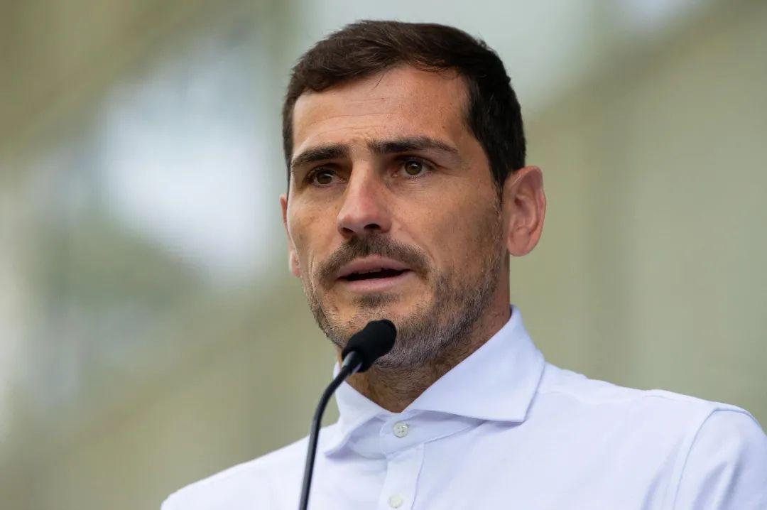 西班牙传奇门将卡西利亚斯宣布退役门前再无圣卡西... 第11张