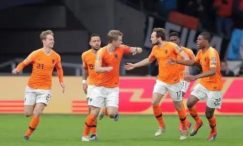 为了挽救巴萨,荷兰队做出了他们最大的牺牲... 第5张