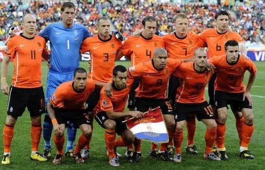 为了挽救巴萨,荷兰队做出了他们最大的牺牲... 第6张